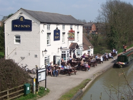 the Two Boats pub by the canal at Long Itchington
