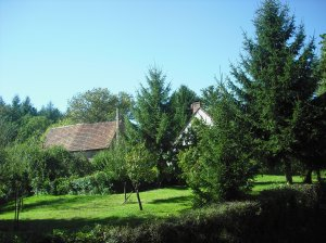 well kept farmsteads: the Moulin Gras